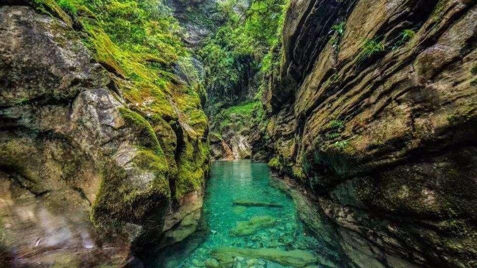 【恩施】大峡谷、女儿城、梭布垭、夷水侗乡4天3晚游